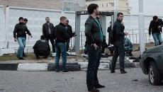 Сотрудники правоохранительных органов работают на месте взрыва в Грозном. Архивное фото