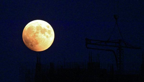 Полное лунное затмение на Дальнем Востоке