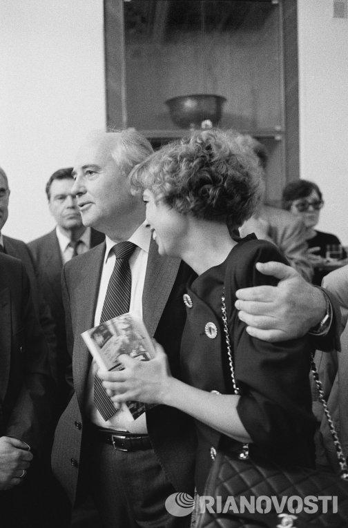 Генеральный секретарь ЦК КПСС Михаил Горбачев с дочерью Ириной