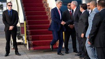 Госсекретарь США Керри прибыл в Каир