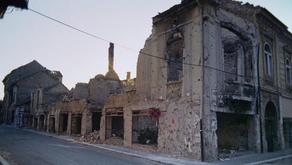 Югославия. Разрушенные дома после обстрелов и бомбежки, архивное фото