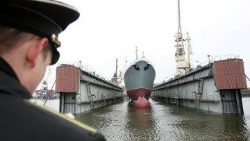 Спуск на воду головного фрегата ВМФ РФ Адмирал флота Сергей Горшков. Архивное фото