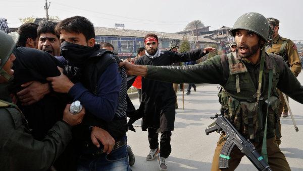 Индийские полицейские. Архивное фото