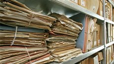 Документы в архиве. Архивное фото