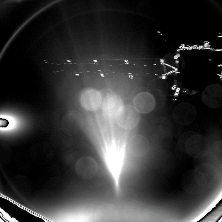 Фотография космического аппарата Rosetta, сделанная модулем Фил после успешного отсоединения. 12 ноября 2014