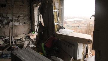Последствия обстрела Горловки украинскими силовиками. Архивное фото