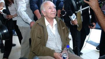 Пауль Шефер в отделении полиции Буэнос-Айреса после ареста. 2005 год