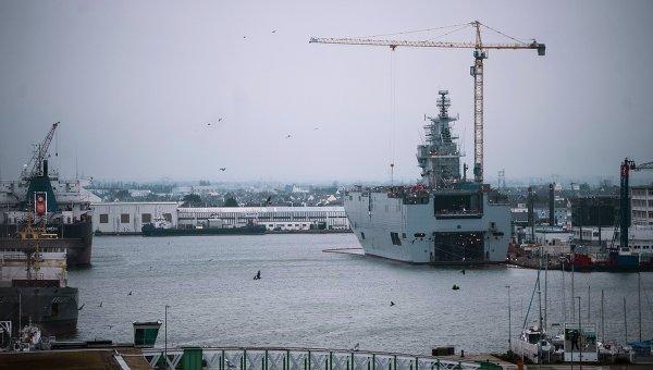 Десантный корабль Севастополь типа Мистраль на судостроительном заводе фирмы STX Europe