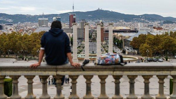 Вид на холм Монжуик и проспект королевы Марии-Кристины в Барселоне. Архивное фото