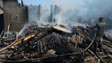 Разрушенные частные дома в результате артиллерийского обстрела Горловки. Архивное фото