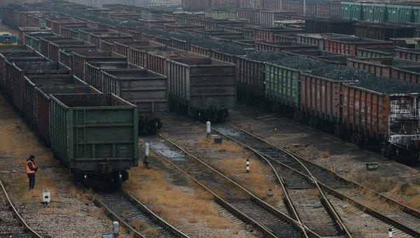 Вагоны с углем в Донецке
