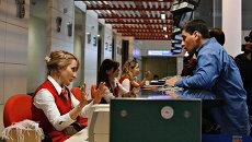 В аэропорту Тбилиси. Архивное фото