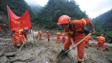 Работа спасателей в Китае. Архивное фото