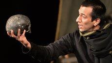 Показ спектакля Гамлет в рамках Международного театрального фестиваля имени А.П.Чехова. Архивное фото