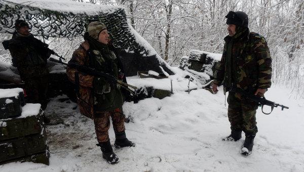 Бойцы украинского добровольческого батальона в районе населенного пункта Пески в Донбассе, 3 января 2015