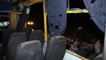 На месте обстрела автобуса с мирными жителями около Волновахи