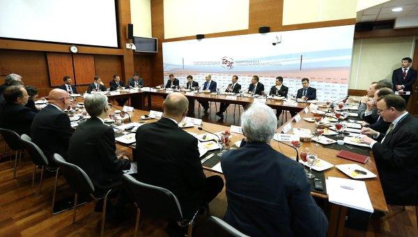 Премьер-министр РФ Д. Медведев принимает участие в работе VI Гайдаровского форума