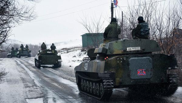Колонна бронетехники ополченцев под Славяносербском, Луганская область, Архивное фото