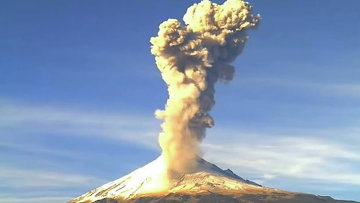 Грозное извержение вулкана Попокатепетль