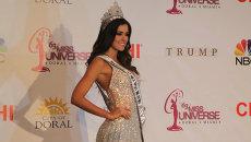 Мисс Вселенная позировала фотографам в короне за 300 тысяч долларов