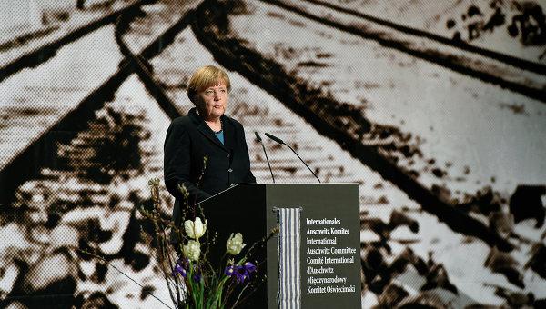 Ангела Меркель во время церемонии, посвящённой памяти жертв фашистского концентрационного лагеря Освенцим