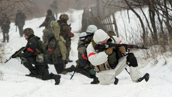 Бойцы батальона Донбасс возле города Лисичанск Луганской области, Украина. Архивное фото