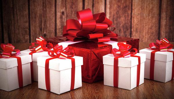 Коробки с подарками. Архивное фото