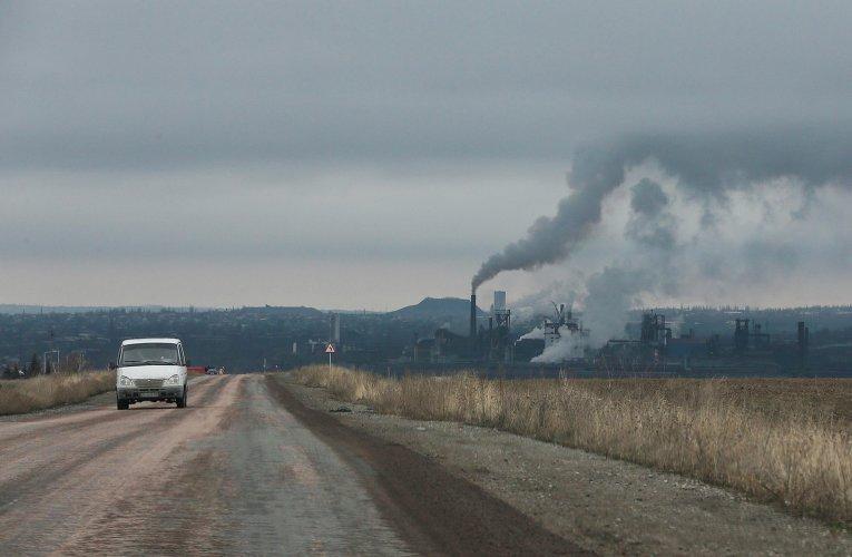 Вид на металлургический завод в Енакиево