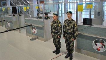 В международном аэропорту в городе Львове. Архивное фото