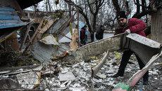 Последствия обстрелов в Донецке. Архивное фото