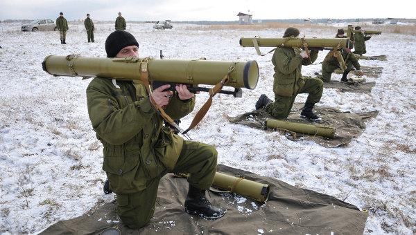 Солдаты украинской армии проходят обучение в районе Львова. Архивное фото