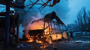 Последствия обстрела в Донецке. Архивное фото