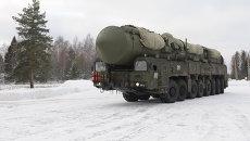 Подвижный грунтовый ракетный комплекс Ярс. Архивное фото