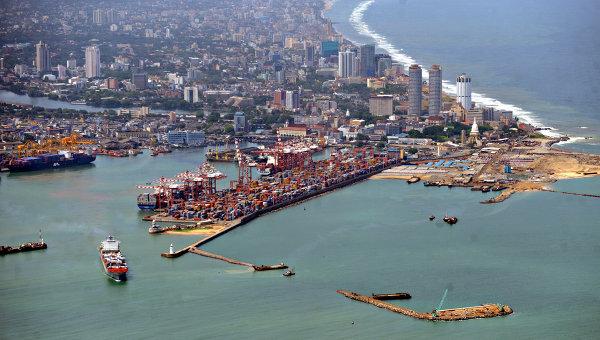 Вид на порт Коломбо, Шри-Ланка. Архивное фото