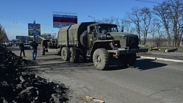 Отвод колонны техники из Донецка. Архивное фото
