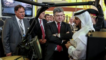 Президент Украины Петр Порошенко на выставке оборонной промышленности IDEX-2015 в Абу-Даби