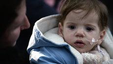 Один из тяжелобольных детей из Донбасса, прибывших на лечение. Архивное фото