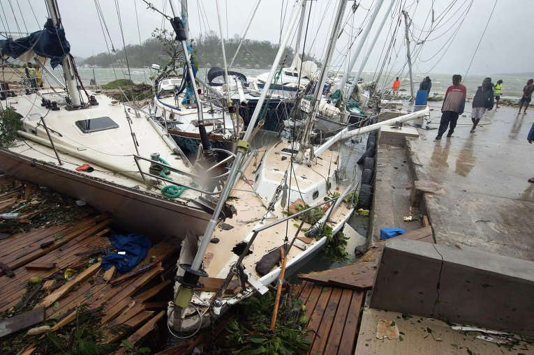 Последствия тропического циклона Пэм в столице Вануату