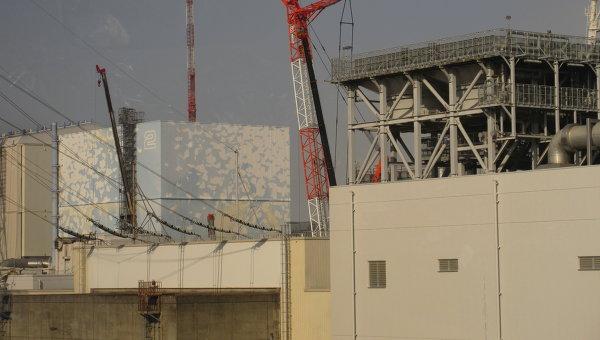 Второй и третий блоки на АЭС Фукусима. Архивное фото