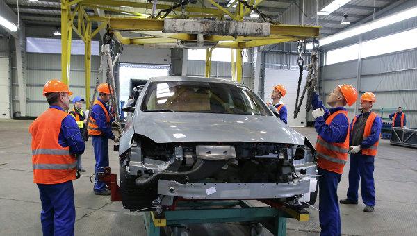 Производство автомобилей. Архивное фото