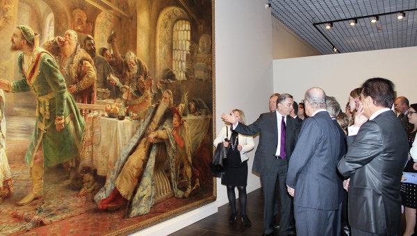 Посетители на открытии Русского музея в Малаге. Испания