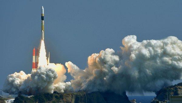 Запуск спутника-шпиона Когаку-5 с помощью ракеты-носителя Н2А с космодрома Танэгасима  в Японии, 26 марта 2015