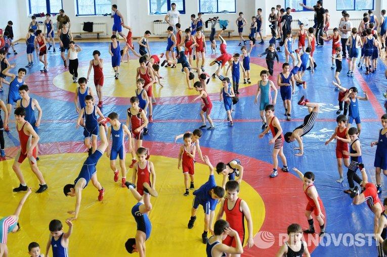 Мастер-класс олимпийского чемпиона по вольной борьбе Б.Сайтиева в Дагестане