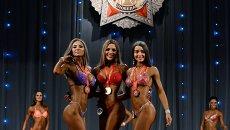 Спортсменки на Чемпионате по бодибилдингу Кубок Победы в Новосибирске