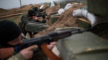 Украинские военные у села Широкино Донецкой области. Архивное фото