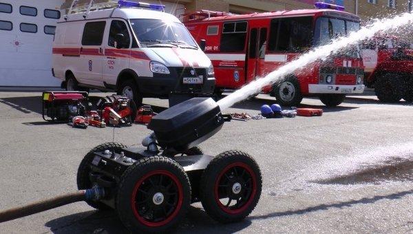 Мобильная установка пожаротушения роботизированная (МУПР). Архивное фото