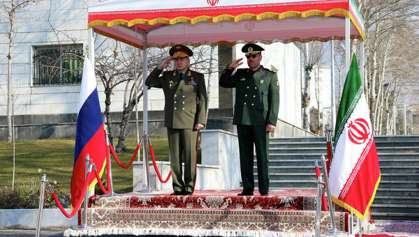 Министр обороны РФ Сергей Шойгу и министр обороны Ирана бригадный генерал Хосейн Дехган, архивное фото