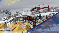 Эвакуация пострадавших с базового лагеря Эвереста, Непал