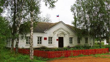 Здание администрации Важинского городского поселения. Архивное фото