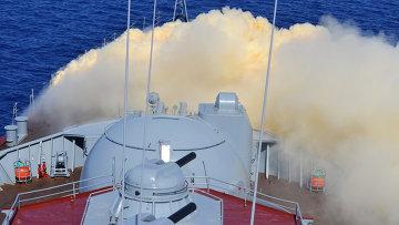 Учения по противохимической защите на Гвардейском ракетном крейсере (ГРКР) Москва во время совместных военных учений России и Китая в Средиземном море Морское взаимодействие 2015. Архивное фото